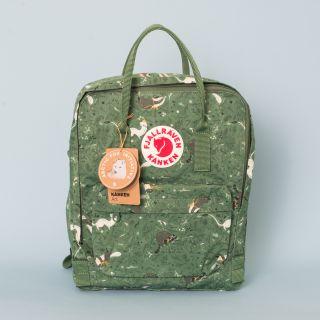 Kånken Art Backpack 976 Green Fable